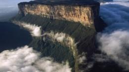 Imagen aérea de Tepuis, Venezuela América del Sur: Monte Roraima (Cerro Roraima) desde el norte.