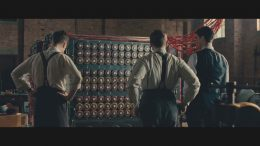 """""""La bombe de Turing, era una máquina (computador), creada para romper los códigos de la máquina Enigma y permitir a los aliados anticipar los ataques y movimientos militares nazis."""" Creada por Alan Mathison Turing. Imagen de la Película The Imitation Game."""